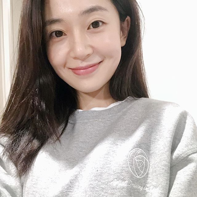 Baek Jin Hee Actress Profile Bio Net Worth Boyfriend Height Weight Career Facts Starsgab