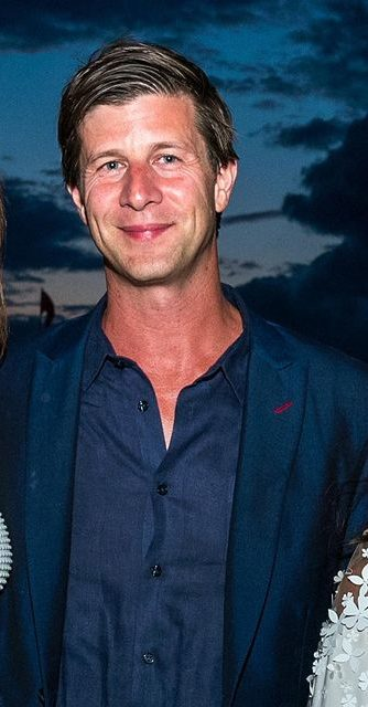 Paul Bernon Entrepreneur Wiki Bio Age Height Weight Wife Net Worth Family Facts Starsgab Elliot choy creates on average 7 new videos every month. wiki bio age height weight wife