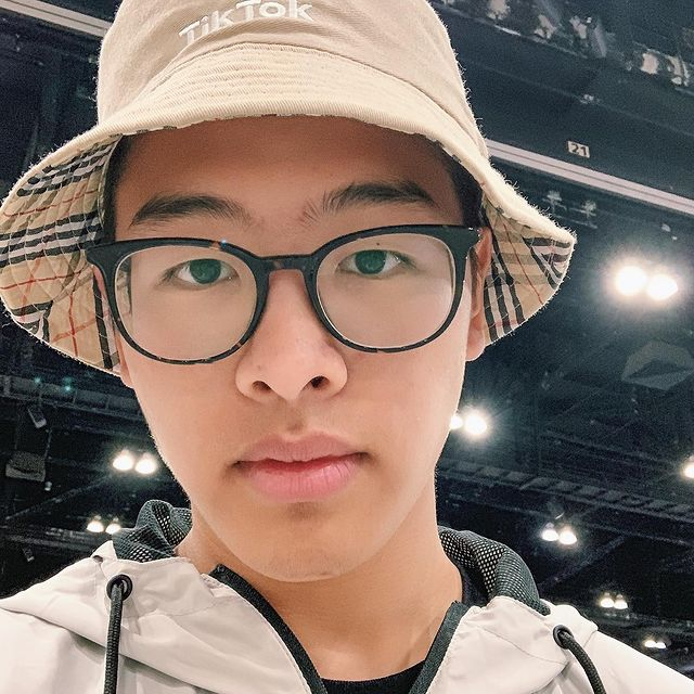 Elliot Choy Youtuber Wiki Bio Age Height Weight Girlfriend Net Worth Career Family Facts Starsgab Start topics with the fans and the beautiful man, elliot choy. elliot choy youtuber wiki bio age