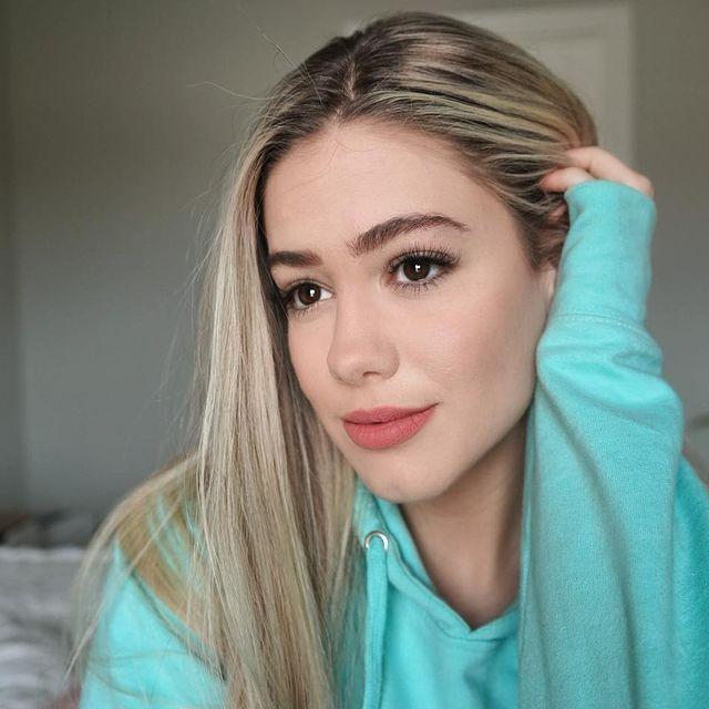 LuluLuvely-bio