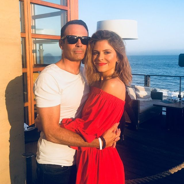 Maria-Menounos-with-her-husband-starsgab