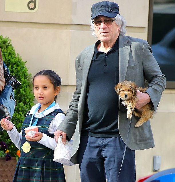 Helen-Grace-De-Niro-with-her-father-image