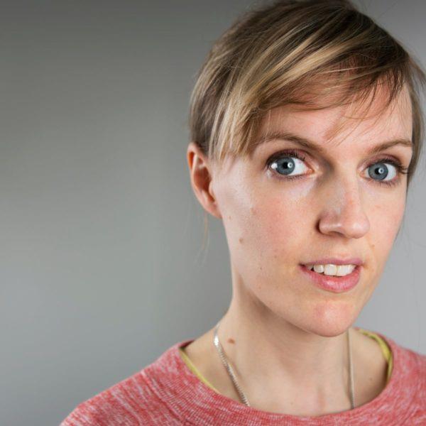 Holly-Walsh-bio
