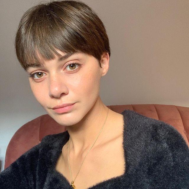Emma-Appleton-net-worth