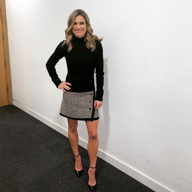 Karen-Carney-height-and-weight