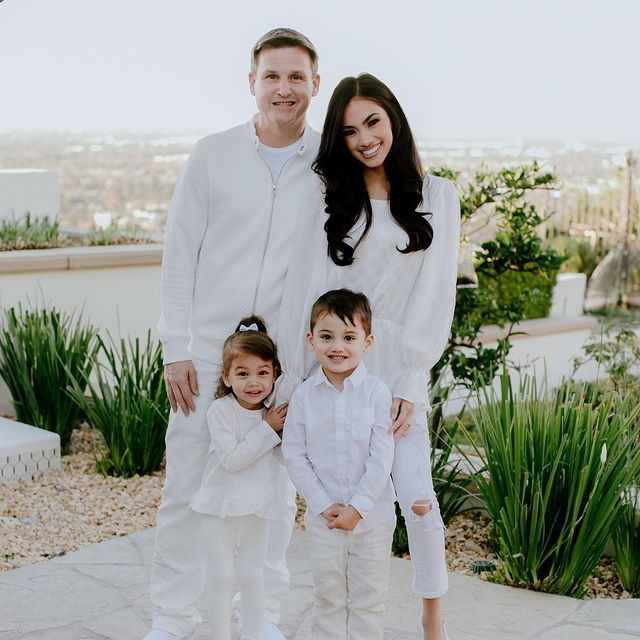 Bryiana-Noelle-Flores-with-her-family