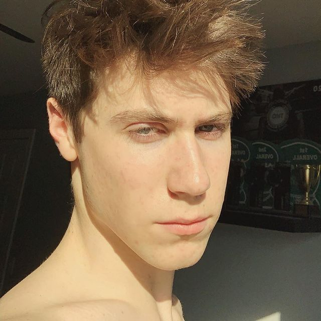 Andrew-Curtis-girlfriend