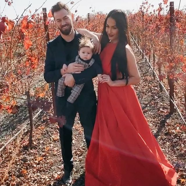 Artem-Chigvintsev-with-his-fiancée-and-baby