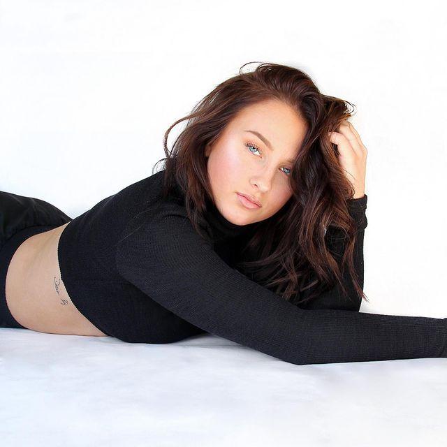 Ashley-Kutcher-age