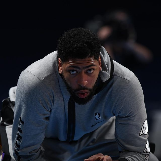 Anthony-Davis-height-and-weight