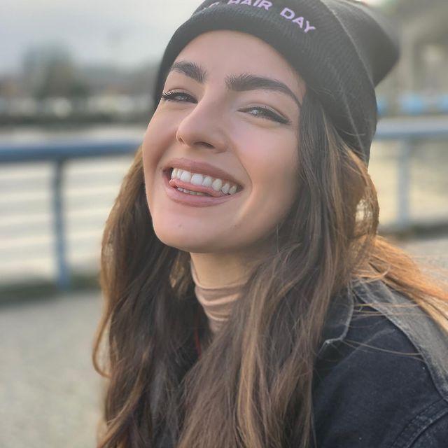 Kayla-Compton-bio
