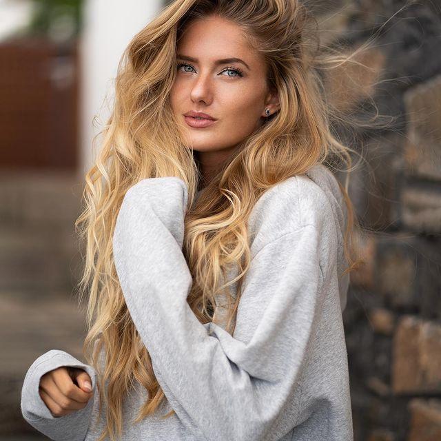 Alica-Schmidt-bio