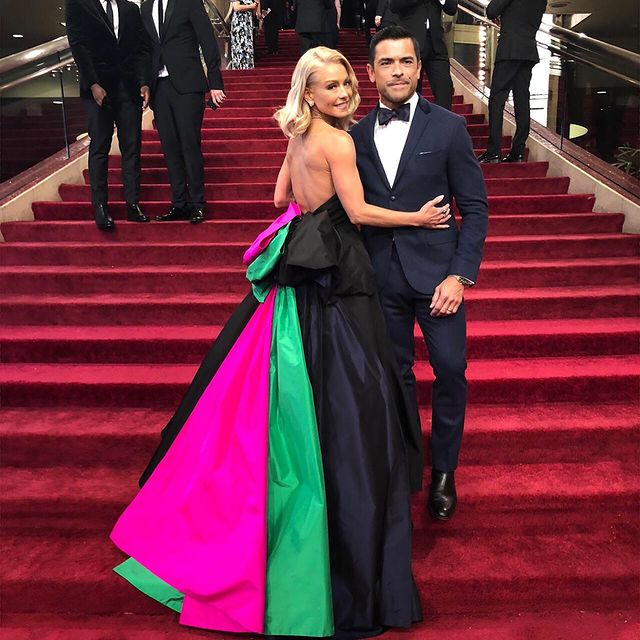Mark-Consuelos-with-his-wife