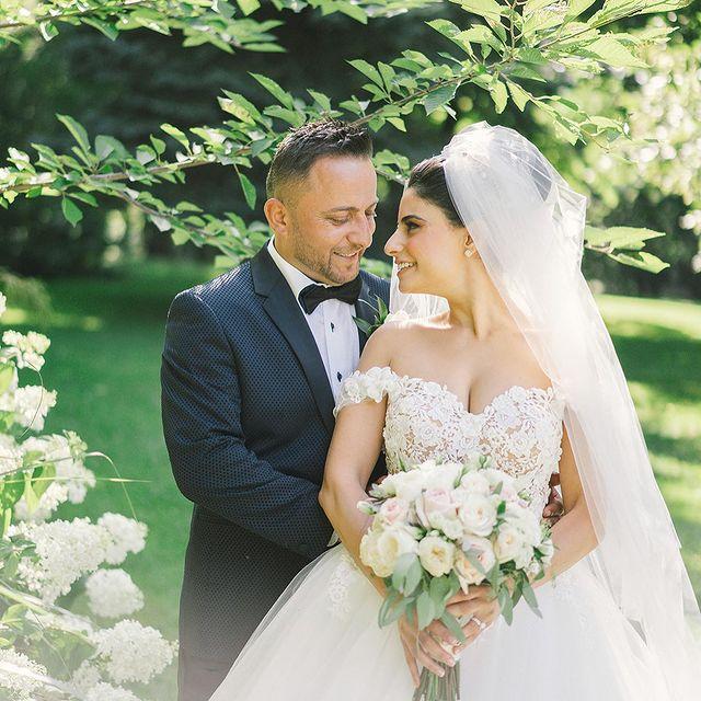 Arda-Zakarian-with-her-husband