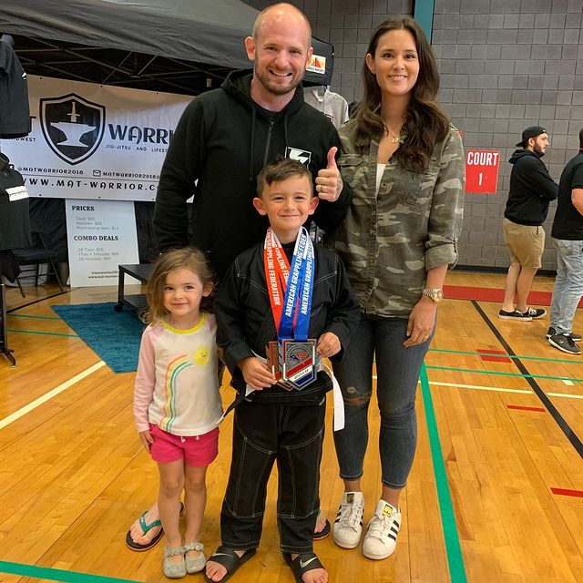 Mac-Lethal-with-his-family
