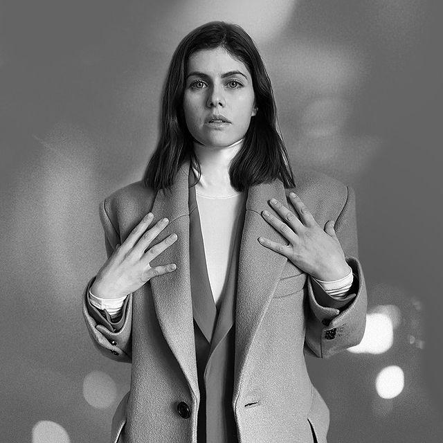 Alexandra-Daddario-bio