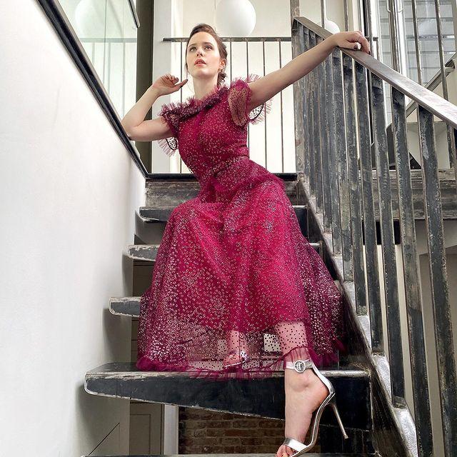 Rachel-Brosnahan-bio