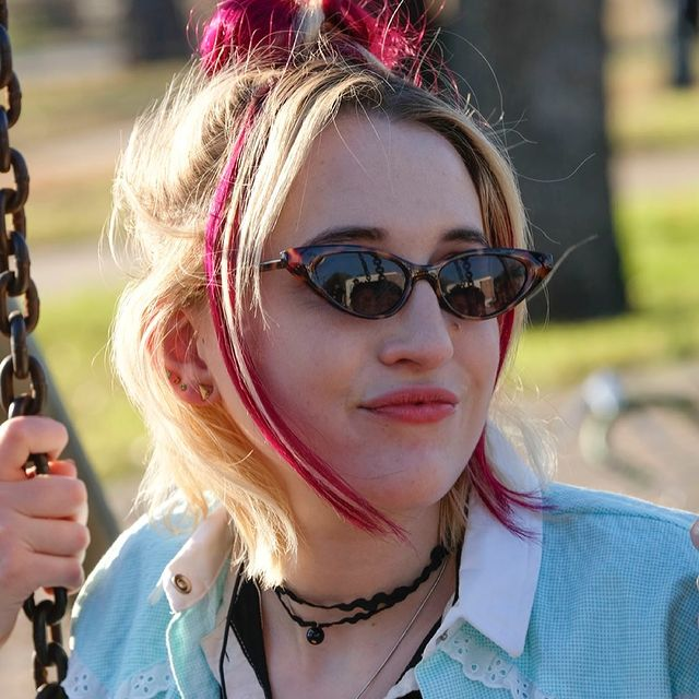 Harley-Quinn-Smith-bio