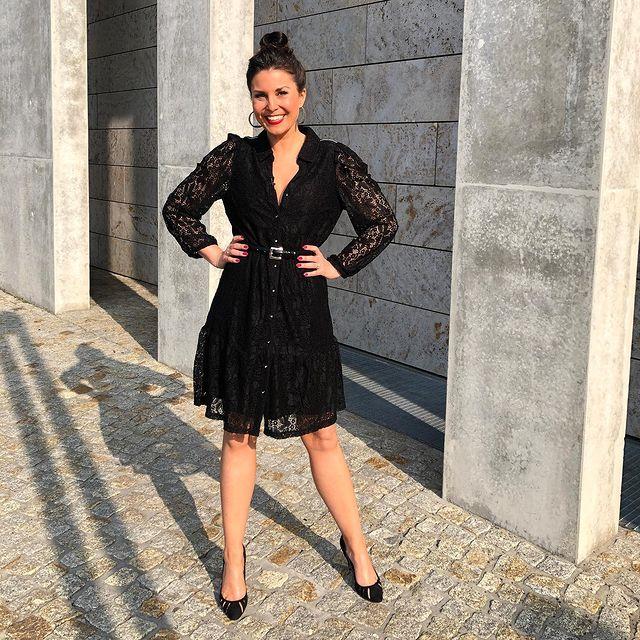 Vanessa-Blumhagen-bio