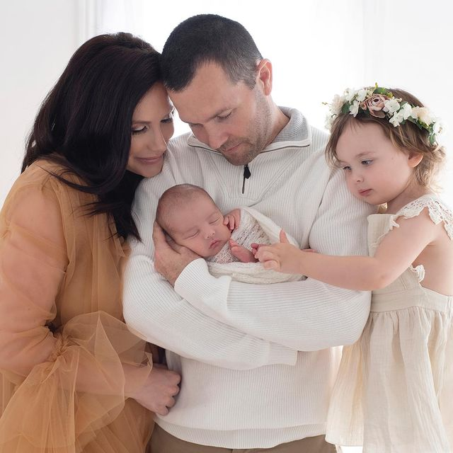 Channon-Rose-with-her-family