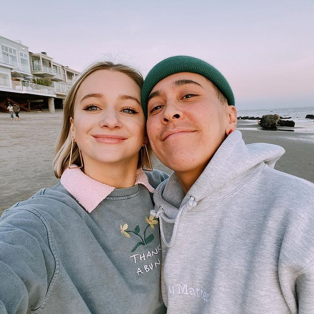 Mollee-Gray-with-her-husband