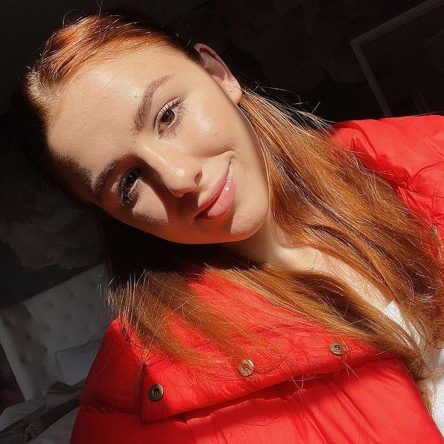 Chloe-Lukasiak-bio