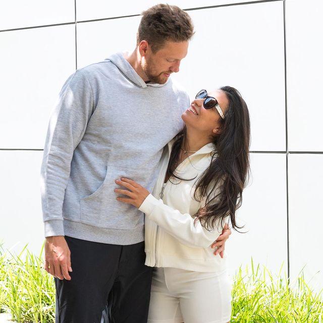 Alexis-Cozombolidis-with-her-husband