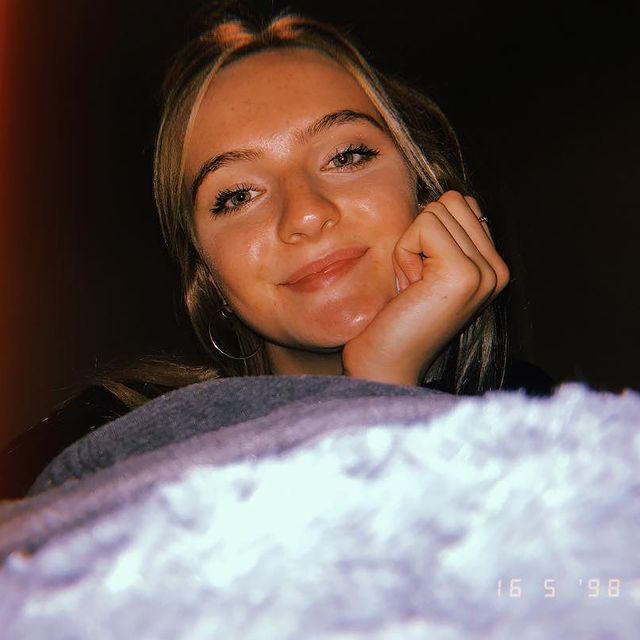 Abbie-Wood-bio