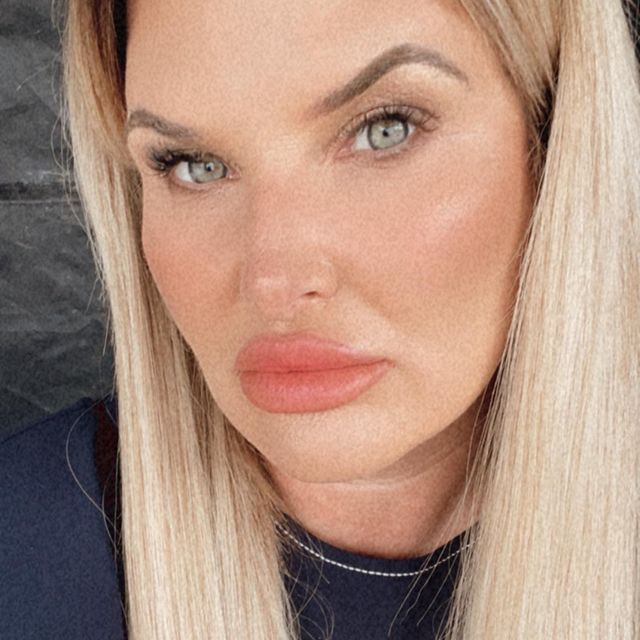 Nicole-Sealey-bio