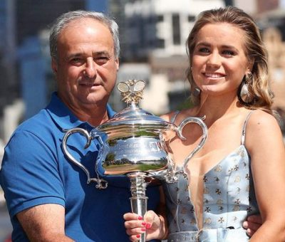 Alex-Kenin-with-her-father-image