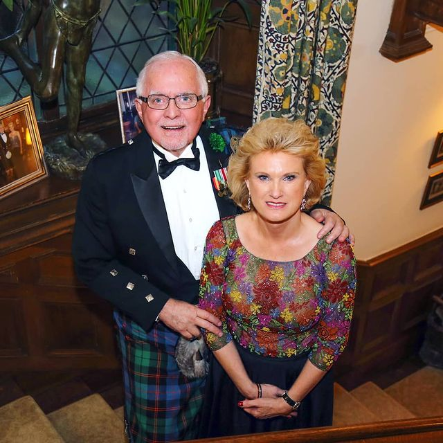 Dan-Pena-with-his-wife-image