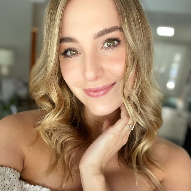 Lorynn-York-height-and-weight