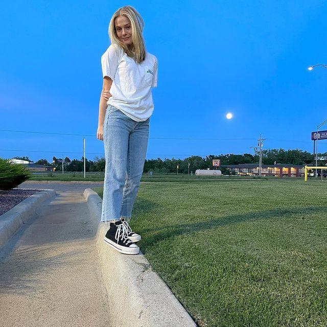 Darci-Lynne-Farmer-height-and-weight