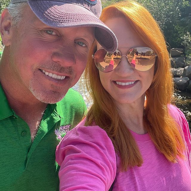 Ree-Drummond-with-her-husband