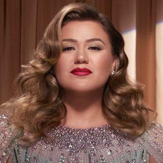 Kelly-Clarkson-bio
